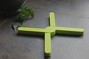 StayPut Silicone Trivet in lime green